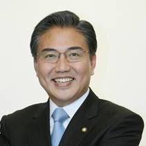 Dr. Pak Jin